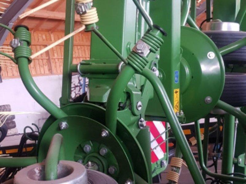 Kreiselheuer des Typs Krone KW 11.22/10 Kreiselheuer - top gepflegt - 11m AB Dreipunktanbau, Gebrauchtmaschine in Amerbach (Bild 3)