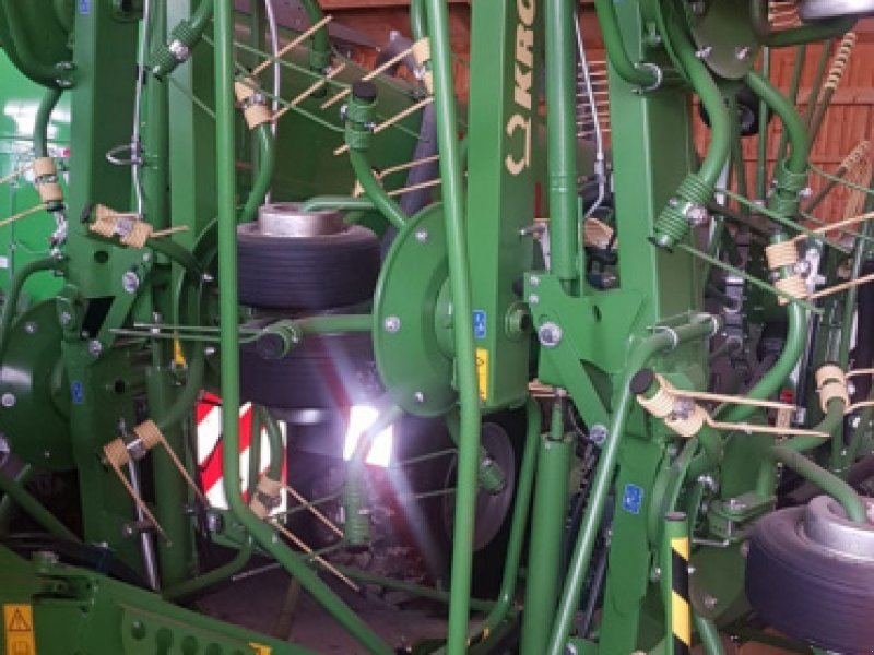 Kreiselheuer des Typs Krone KW 11.22/10 Kreiselheuer - top gepflegt - 11m AB Dreipunktanbau, Gebrauchtmaschine in Amerbach (Bild 7)