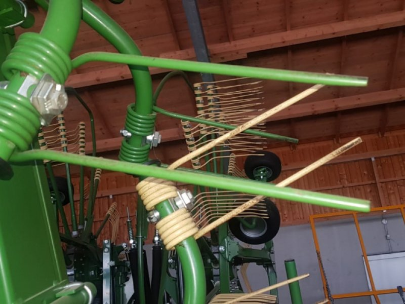 Kreiselheuer des Typs Krone KW 11.22/10 Kreiselheuer - top gepflegt - 11m AB Dreipunktanbau, Gebrauchtmaschine in Amerbach (Bild 11)