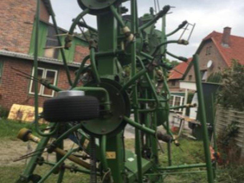 Kreiselheuer des Typs Krone KW 8.82, Gebrauchtmaschine in Westerhorn (Bild 2)