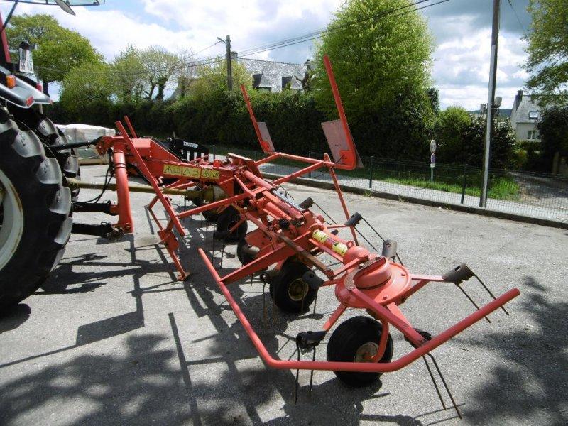 Kreiselheuer des Typs Kuhn GF 5902, Gebrauchtmaschine in Chateauneuf du faou (Bild 1)