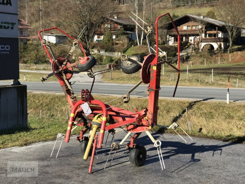 Kreiselheuer des Typs Pöttinger Heuer Hit 44 Alpin, Gebrauchtmaschine in Eben (Bild 1)