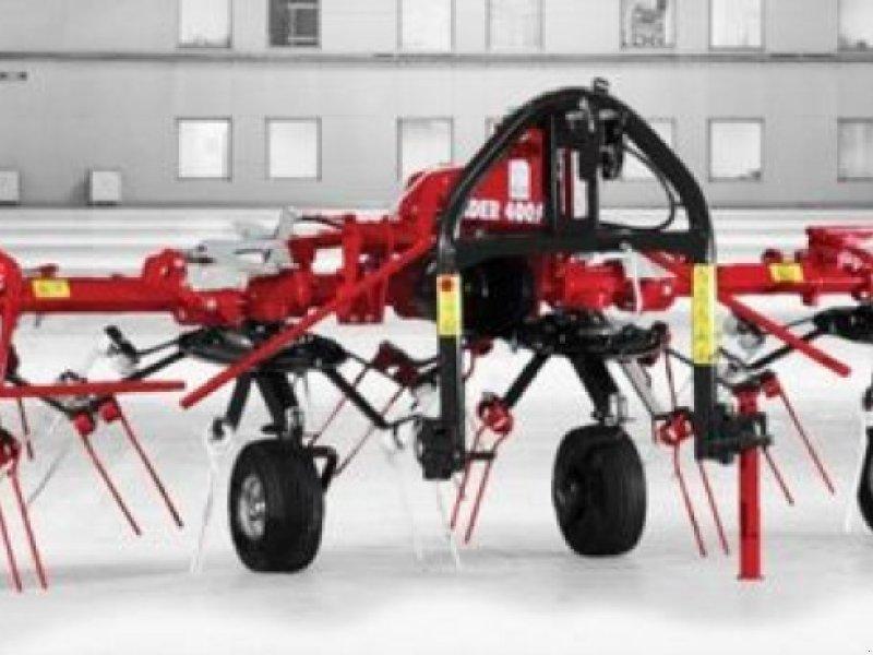 Kreiselheuer des Typs SIP Kreisel Zettwender Spider 400/4 Alp, Neumaschine in Burgkirchen (Bild 1)