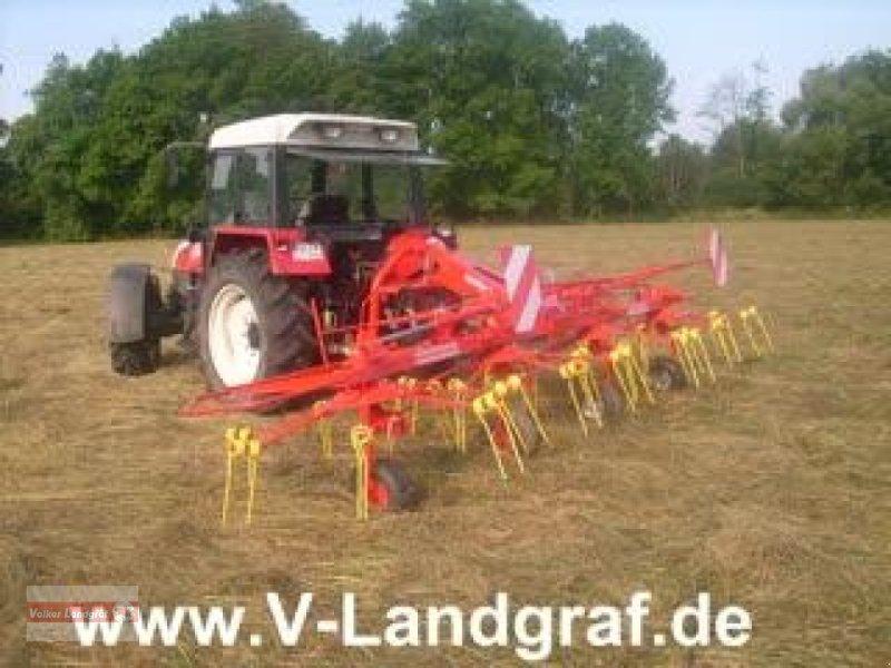 Kreiselheuer des Typs Unia Spajder, Neumaschine in Ostheim/Rhön (Bild 1)