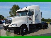 Mercedes-Benz Freightliner US Truck, Suche Unimog Kurzholzzüge