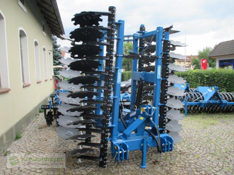 Kurzscheibenegge des Typs Agripol Titanum 500 TIT + Dachringwalze 600 mm, Neumaschine in Feuchtwangen (Bild 1)