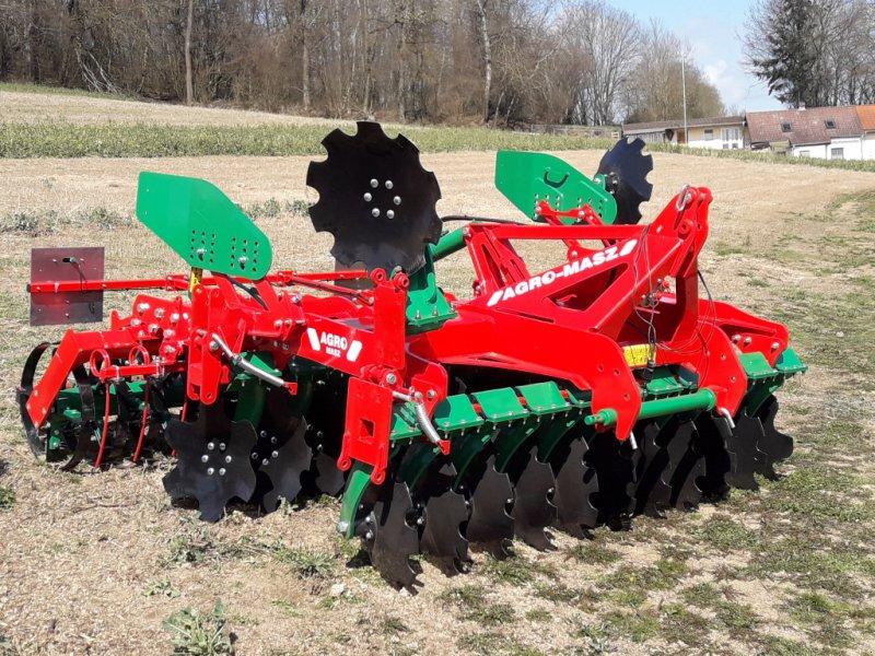 Kurzscheibenegge des Typs Agro-Masz TR30, Neumaschine in Cham (Bild 1)