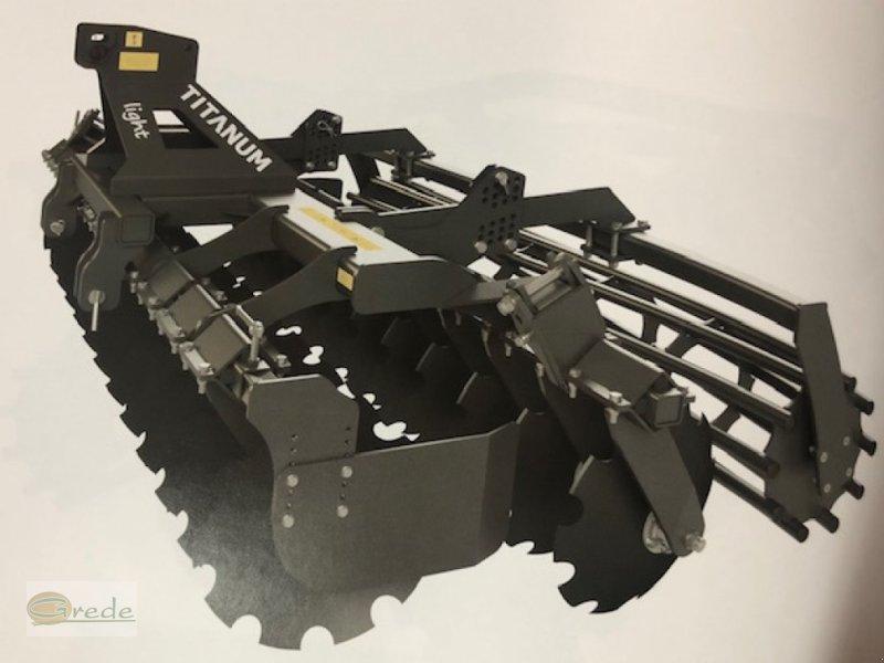Kurzscheibenegge tip Agroland Titanum LIGHT 300 Kurzscheibenegge, Neumaschine in Bad Emstal (Poză 1)