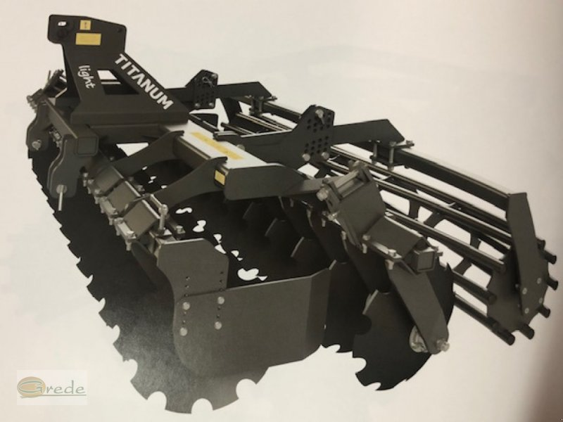 Kurzscheibenegge of the type Agroland Titanum LIGHT 300 Kurzscheibenegge, Neumaschine in Bad Emstal (Picture 1)