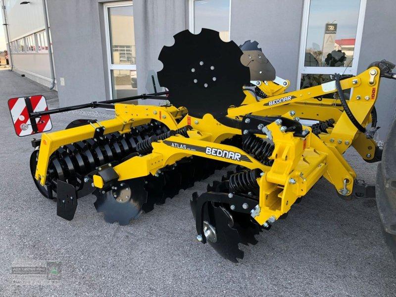 Kurzscheibenegge des Typs Bednar Atlas AN 3000, Vorführmaschine in Gerasdorf (Bild 1)