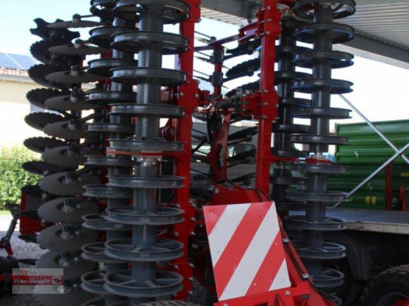 Kurzscheibenegge des Typs Unia Ares XL H 6, Neumaschine in Ostheim/Rhön (Bild 1)