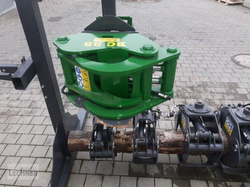 Ladekrane & Rückezange des Typs Farma BC 25 für Baggeranbau, Neumaschine in Bad Abbach-Dünzling (Bild 1)