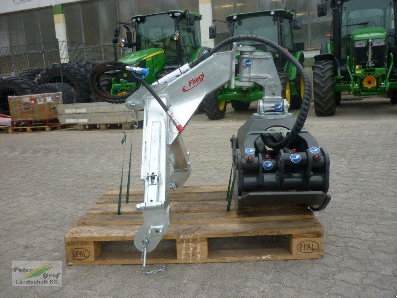 Ladekrane & Rückezange a típus Fliegl Rückezange RZ 185, Neumaschine ekkor: 91257 Pegnitz-Bronn (Kép 1)
