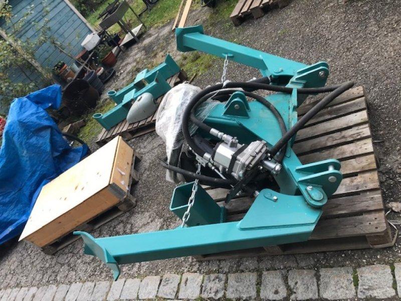 Ladekrane & Rückezange des Typs KTS A-Rahmen, Neumaschine in Aying/Göggenhofen (Bild 1)