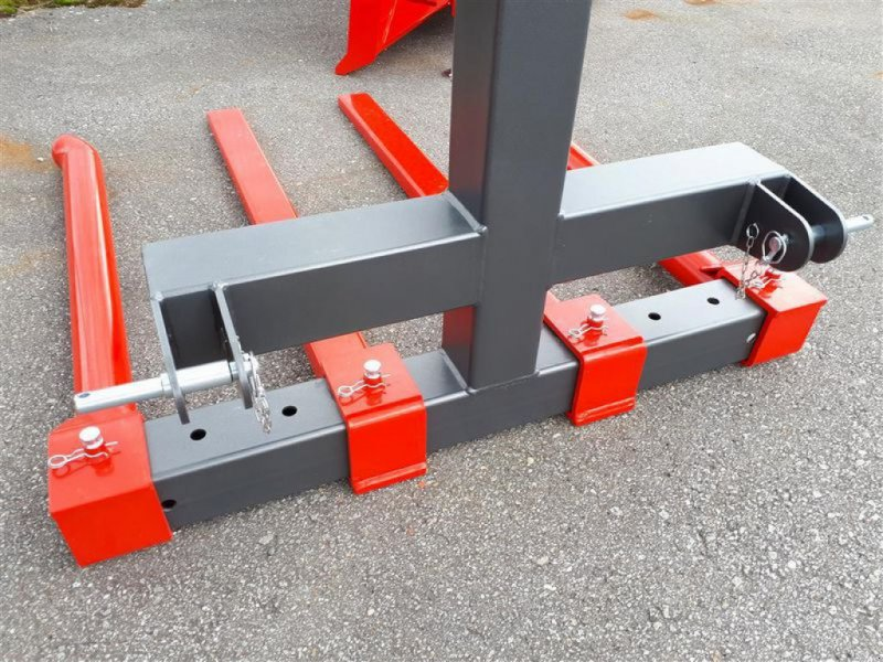 Ladeschaufel des Typs Krpan BALLENTRANSPORTER TANDEM PRO, Neumaschine in Hutthurm (Bild 2)