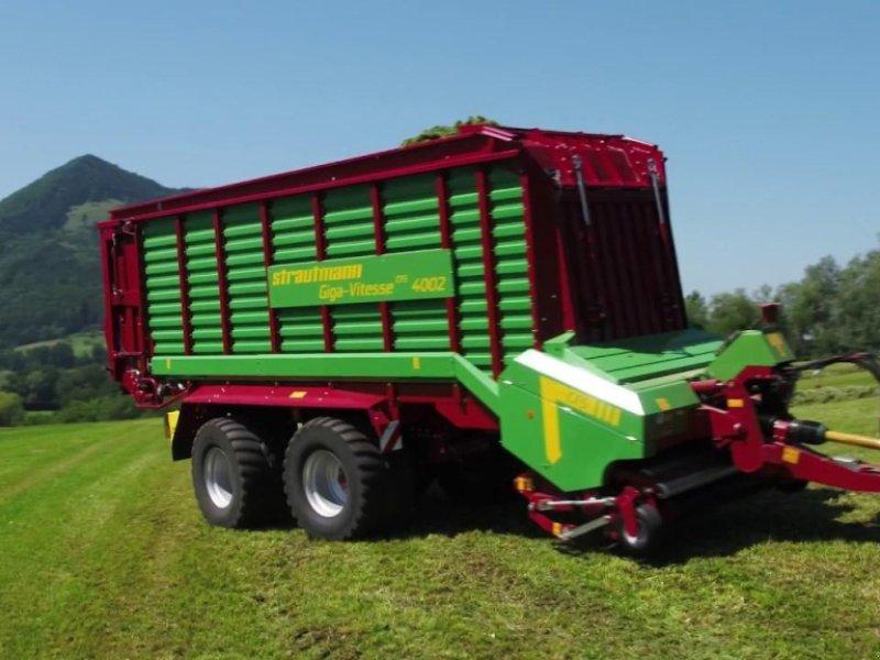 Ladewagen des Typs Strautmann Giga-Vitesse CFS4002, Neumaschine in Windsbach (Bild 1)