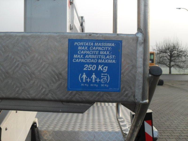 LKW-Arbeitsbühne a típus Oil & Steel Snake 2010 H Plus, Gebrauchtmaschine ekkor: Obrigheim (Kép 7)