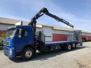 Volvo FM 330 med 12-Ton Hiab Kran kamionok