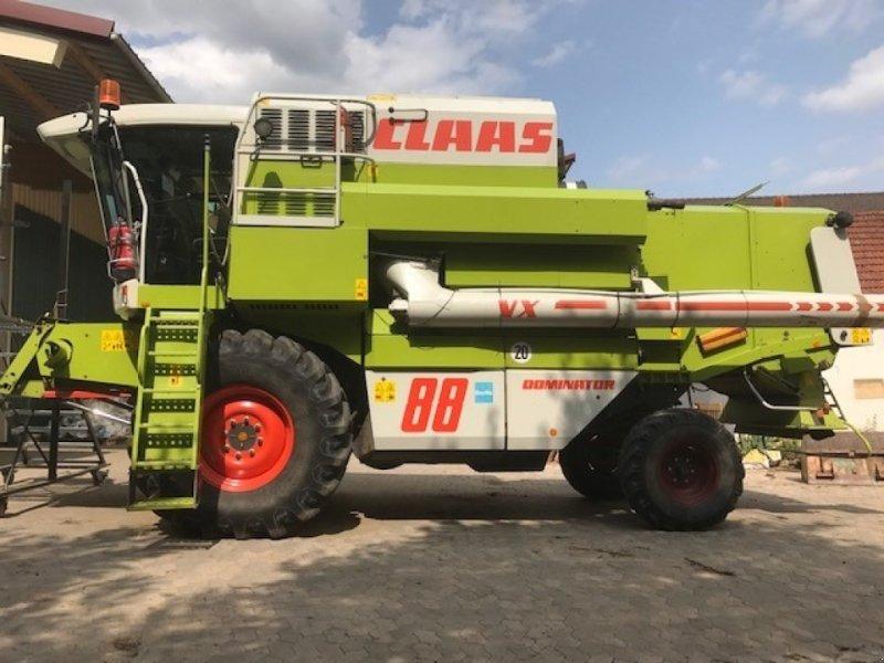 Mähdrescher des Typs CLAAS Dominator 88 VX, Gebrauchtmaschine in Ansbach (Bild 1)