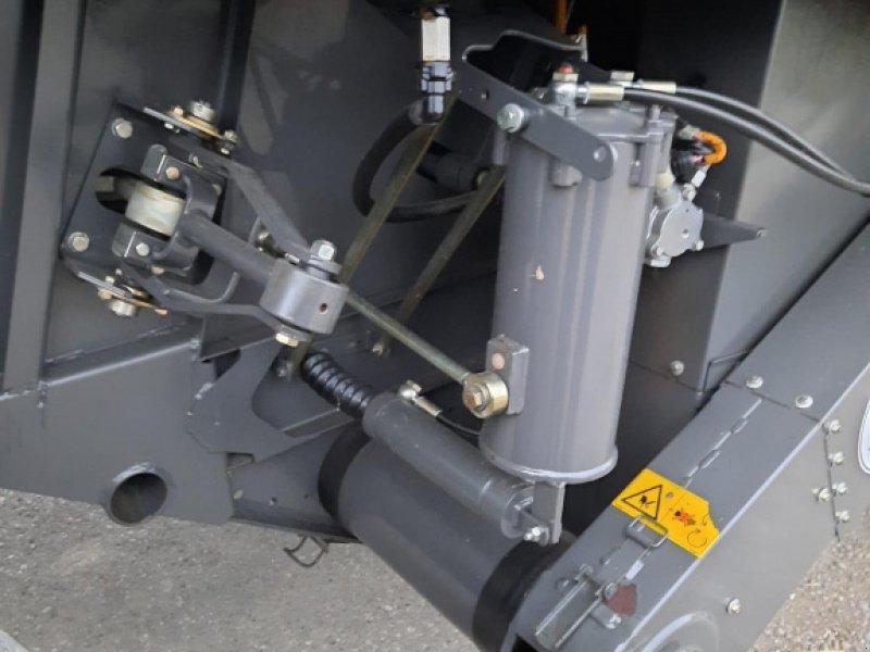 Mähdrescher des Typs CLAAS Lexion 670, Gebrauchtmaschine in Asselfingen (Bild 4)
