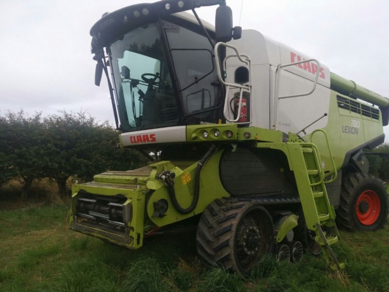 Mähdrescher of the type CLAAS lexion 780, Gebrauchtmaschine in DN20 8NR  Brigg (Picture 1)