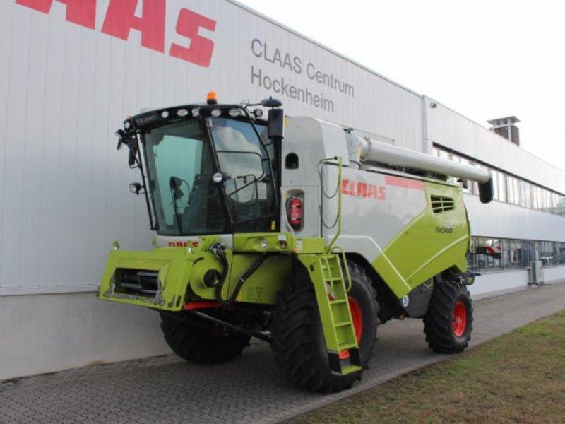Mähdrescher des Typs CLAAS TUCANO 420, Gebrauchtmaschine in Hockenheim (Bild 1)