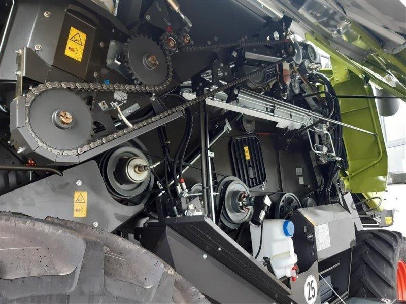 Mähdrescher des Typs CLAAS Tucano 450, Gebrauchtmaschine in Grimma (Bild 12)
