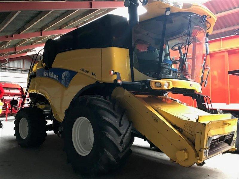 Mähdrescher типа New Holland 8060 24 fod, Gebrauchtmaschine в Aalestrup (Фотография 1)