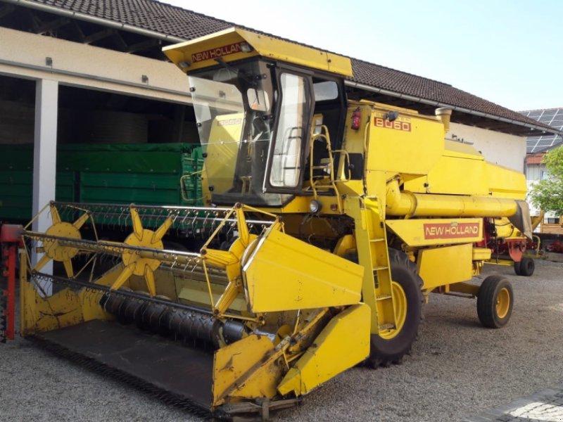 Mähdrescher des Typs New Holland 8060, Gebrauchtmaschine in Aldersbach (Bild 1)