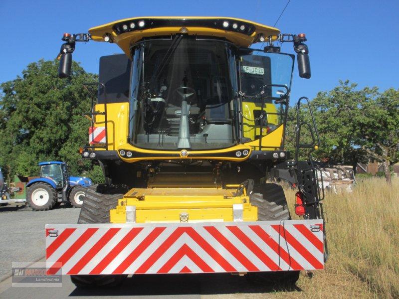 Mähdrescher des Typs New Holland CR 8.80 Allrad & Raupe gefedert - kein Maiseinsatz, Gebrauchtmaschine in Lichtenfels (Bild 3)
