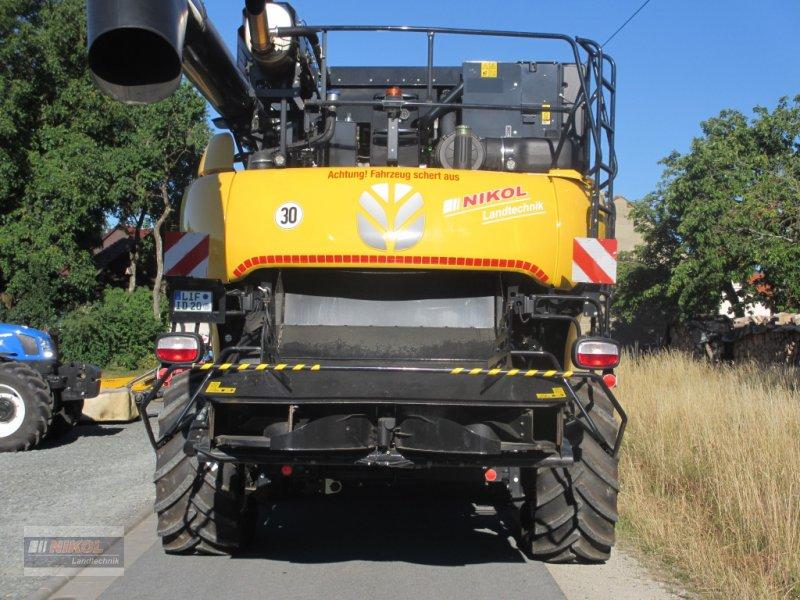 Mähdrescher des Typs New Holland CR 8.80 Allrad & Raupe gefedert - kein Maiseinsatz, Gebrauchtmaschine in Lichtenfels (Bild 6)