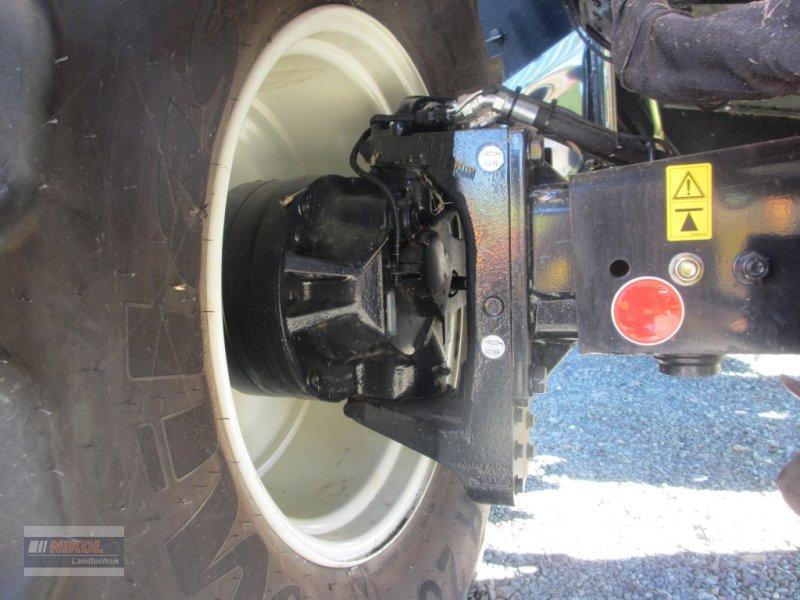 Mähdrescher des Typs New Holland CR 8.80 Allrad & Raupe gefedert - kein Maiseinsatz, Gebrauchtmaschine in Lichtenfels (Bild 12)