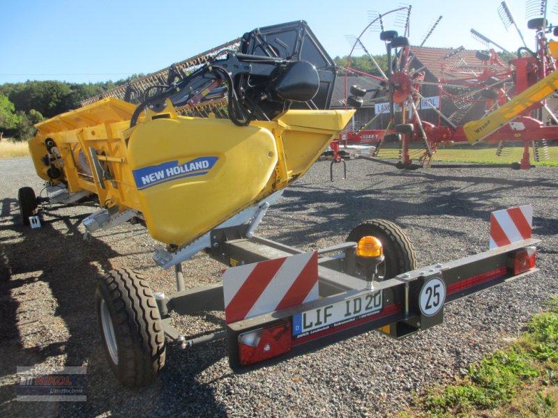 Mähdrescher des Typs New Holland CR 8.80 Allrad & Raupe gefedert - kein Maiseinsatz, Gebrauchtmaschine in Lichtenfels (Bild 17)