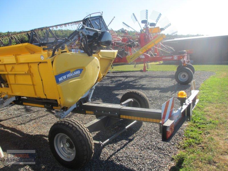 Mähdrescher des Typs New Holland CR 8.80 Allrad & Raupe gefedert - kein Maiseinsatz, Gebrauchtmaschine in Lichtenfels (Bild 18)