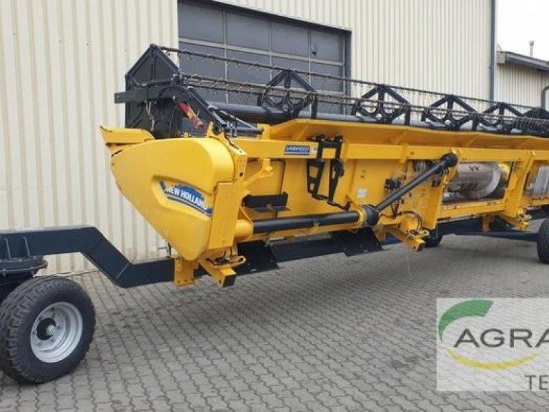 Mähdrescher des Typs New Holland CR 8.80 RAUPE, Gebrauchtmaschine in Grimma (Bild 6)