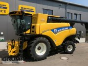 Mähdrescher des Typs New Holland CR 8.80 Revelation, Neumaschine in Egg a.d. Günz