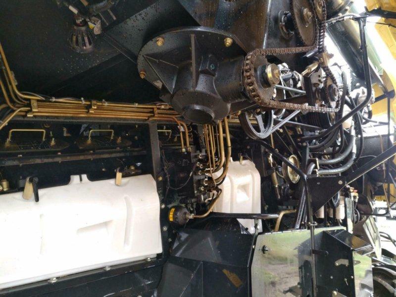 Mähdrescher des Typs New Holland CR 8.80, Gebrauchtmaschine in Pommerby (Bild 15)