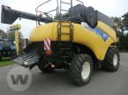 Mähdrescher des Typs New Holland CR 9070 in Niebüll