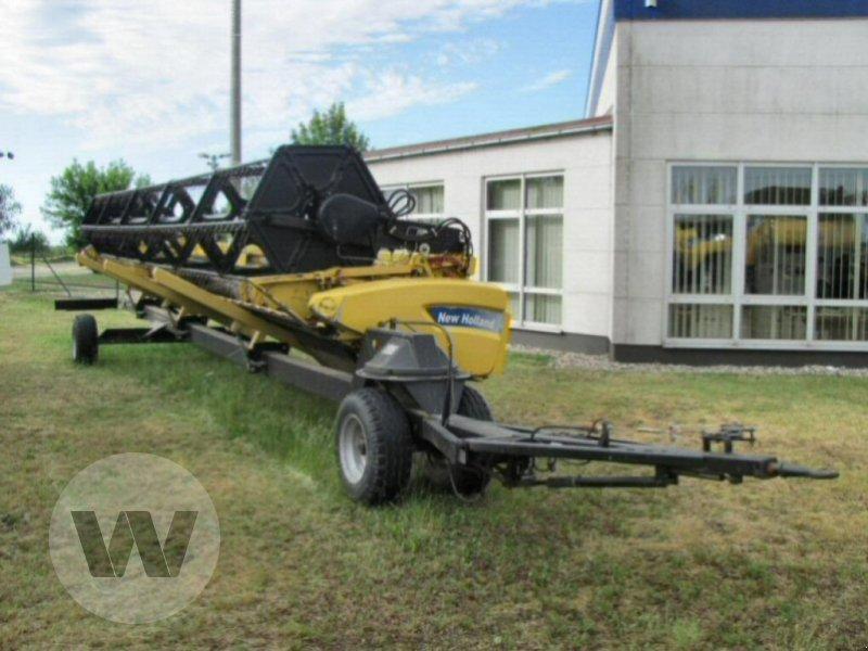 Mähdrescher des Typs New Holland CR 9080, Gebrauchtmaschine in Dedelow (Bild 3)