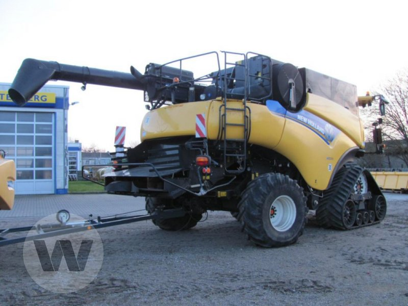 Mähdrescher des Typs New Holland CR 9090 Elevation SCR Raupe, Gebrauchtmaschine in Kleeth (Bild 5)