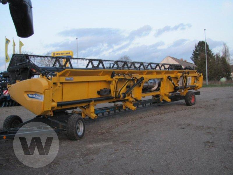 Mähdrescher des Typs New Holland CR 9090 Elevation SCR Raupe, Gebrauchtmaschine in Kleeth (Bild 4)