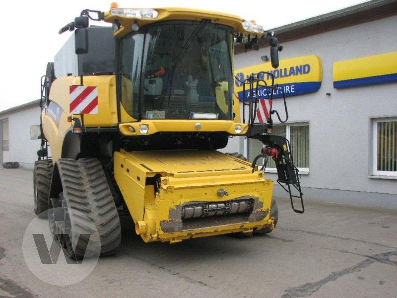 Mähdrescher des Typs New Holland CR 9090 Elevation SCR Raupe, Gebrauchtmaschine in Dedelow (Bild 2)