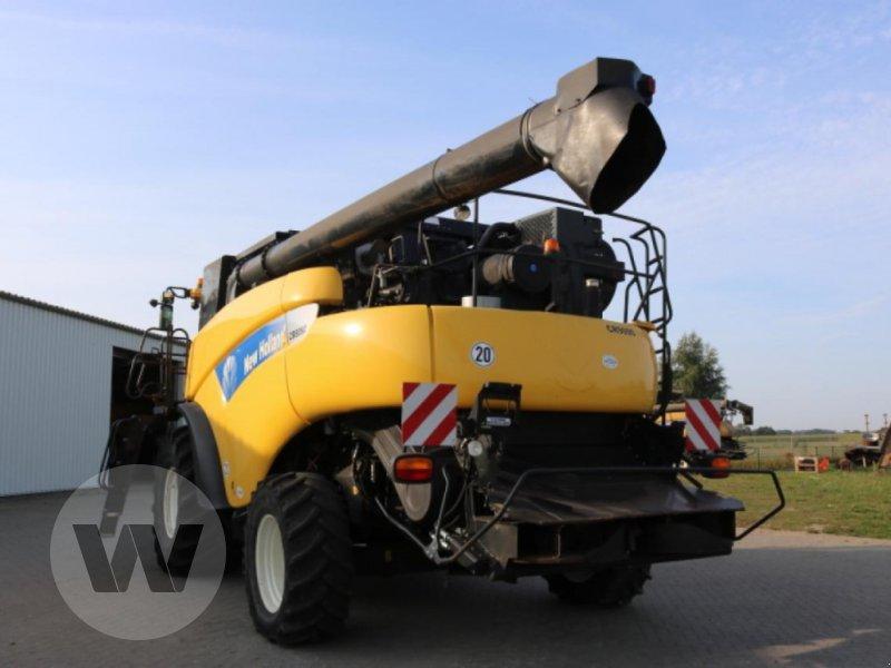 Mähdrescher des Typs New Holland CR 9090 Elevation, Gebrauchtmaschine in Jördenstorf (Bild 4)