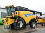 Mähdrescher des Typs New Holland CR 9090 in Jördenstorf
