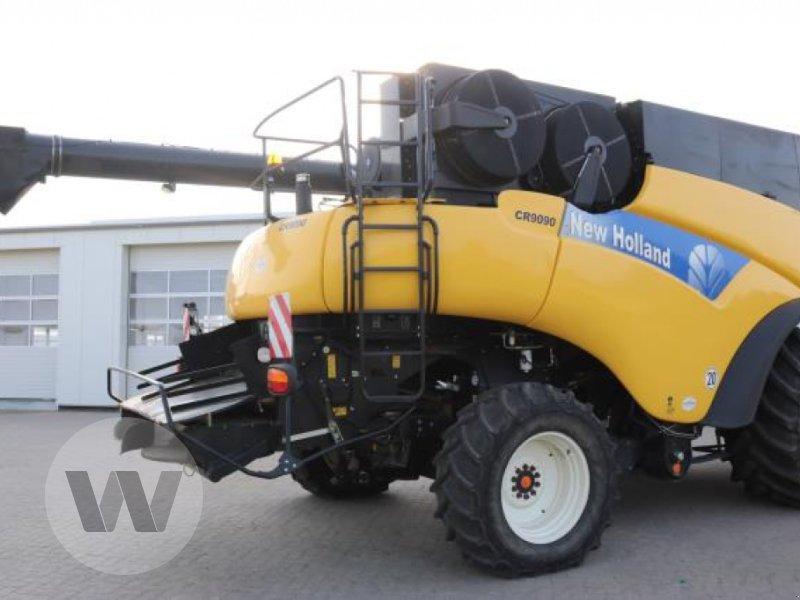 Mähdrescher des Typs New Holland CR 9090, Gebrauchtmaschine in Jördenstorf (Bild 4)