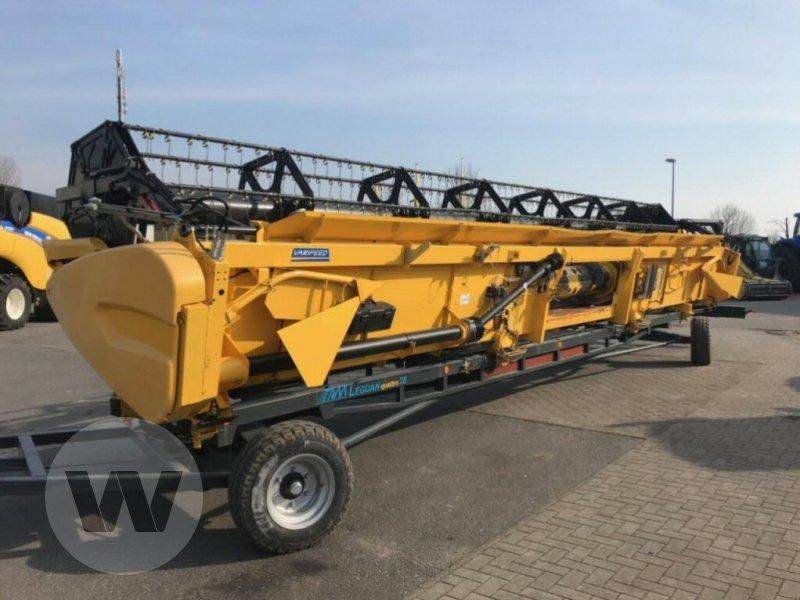 Mähdrescher des Typs New Holland CR 9.80 Raupe, Neumaschine in Kleeth (Bild 4)