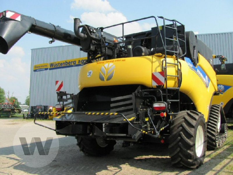 Mähdrescher des Typs New Holland CR 9.80 Raupe, Neumaschine in Kleeth (Bild 6)