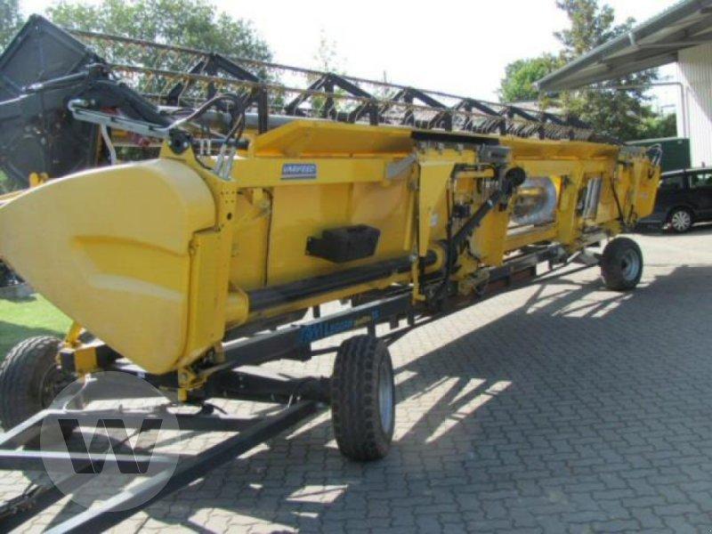 Mähdrescher des Typs New Holland CR 9.80 Raupe, Gebrauchtmaschine in Kleeth (Bild 2)