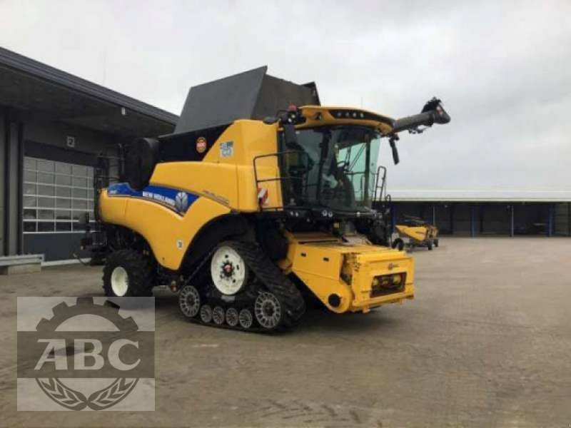 Mähdrescher типа New Holland CR9.80 RAUPE MY19, Neumaschine в Klein Bünzow (Фотография 1)