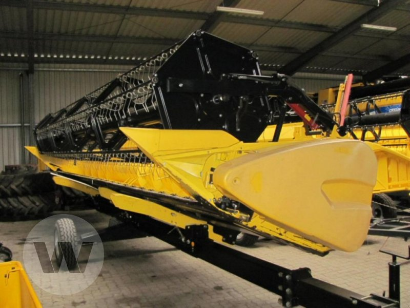 Mähdrescher des Typs New Holland CX 6090, Gebrauchtmaschine in Bützow (Bild 3)